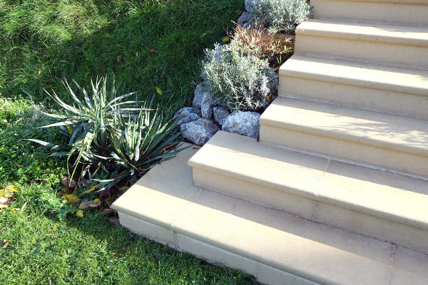steps with corners