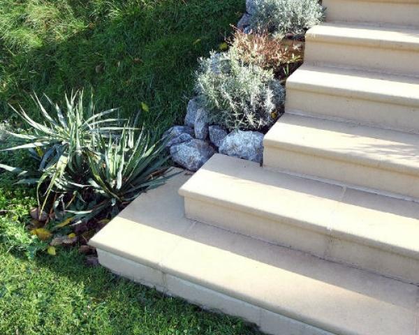 steps with corners
